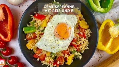 Gemüsepfanne mit Reis und Ei - Leichtes Reisgericht