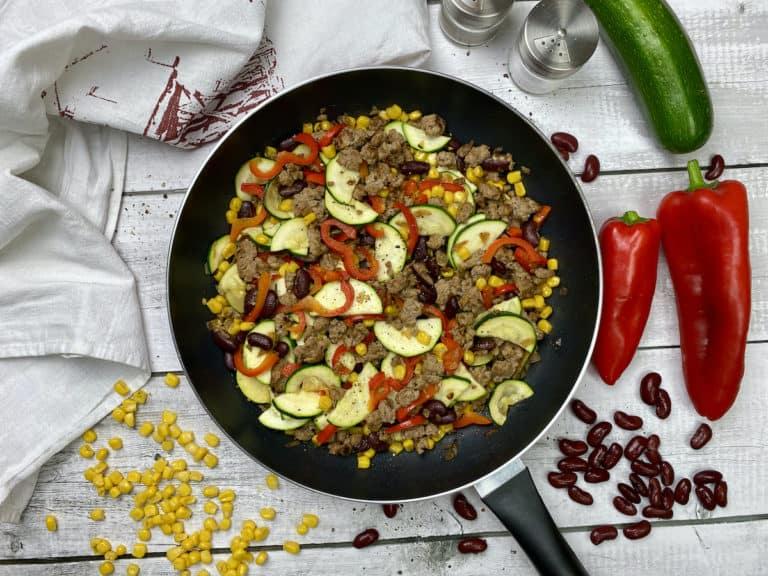 Schnelle Gemüsepfanne mit Hackfleisch